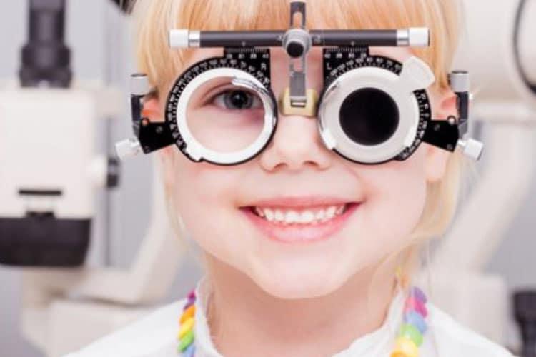 Refractive development of the eye