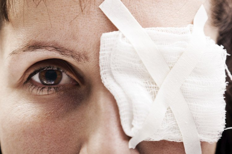 How an injury to one eye can cause disease in the fellow eye